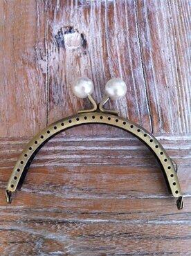 Portemonnee sluiting 10,5cm brons met knop in parelkleur