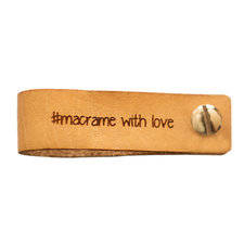 Leren label 7x2 cm macrame with love met schroef