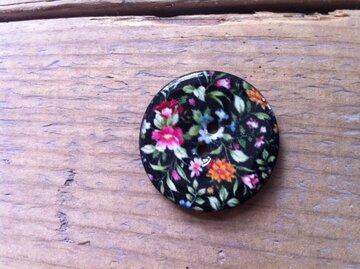 Houten knoop met bloemetjesprint 4cm