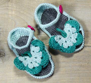 Haakpatroon baby vlinder slippertjes