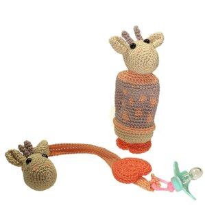 Haakpakket rammelaar en speenkoord giraf Lola