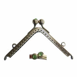 Portemonneesluiting vierkant met strassknop in groen
