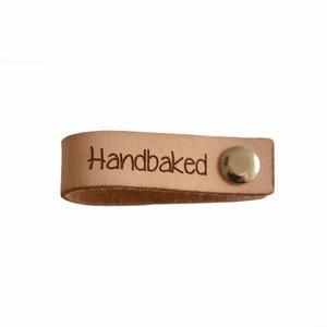 Leren label 6x1,5 cm Handbaked met schroef